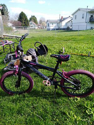 Girls 18 inch Razor Black Label Bike for Sale in Scarbro, WV