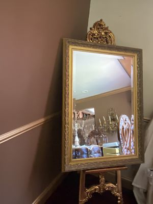 Very beautiful gorgeous antique mirror for Sale in Troy, MI