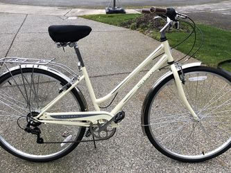 "Schwinn Women's Gateway 700c/28"" Hybrid Bike - Cream for Sale in Redmond,  WA"