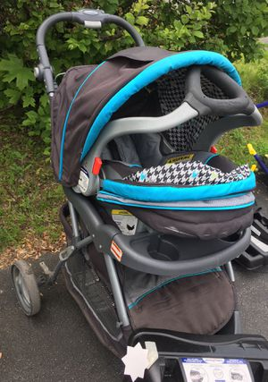 Baby and friend car seat+roller+base for Sale in Albany, NY