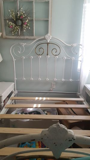 100 years old full size cast iron and brass bed for Sale in Clearwater, FL