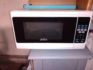 Like new Sunbeam microwave. for Sale in Kent, WA