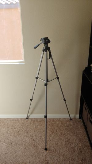 Brand new tripod for Sale in Menifee, CA