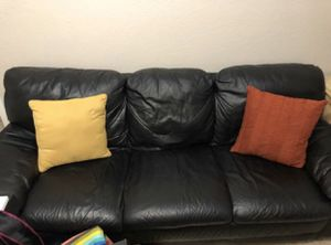 Leather couch sofa de piel for Sale in Hialeah, FL