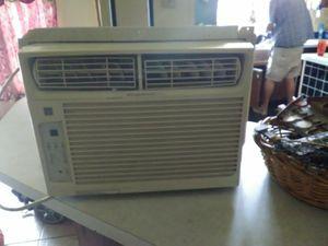 Frigidaire window ac unit for Sale in Summerfield, FL