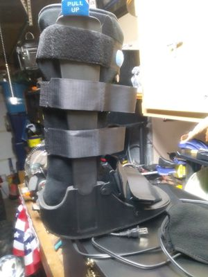 Theoropy boot large. Used maybe about a week for Sale in Plainfield, IL