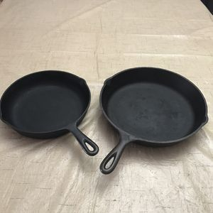 Vintage Cast Iron Frying Pans #10 and #7 Seasoned ready to cook, and in excellent Condition for Sale in Pembroke Pines, FL