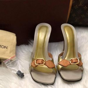 Louis Vuitton Sandals LV for Sale in Fountain Valley, CA
