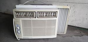 Frigidaire window unit AC for Sale in Tacoma, WA
