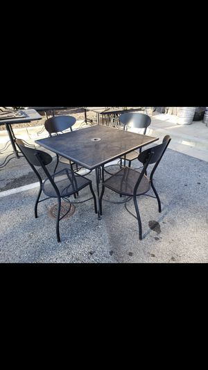 Metal outdoor patio furniture set for Sale in White Plains, MD