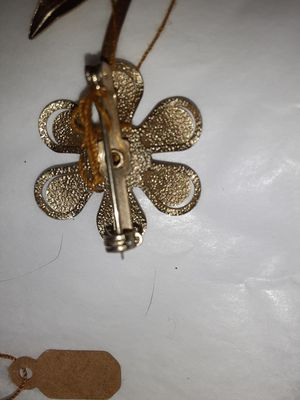 Vintage brooches for Sale in Casselberry, FL