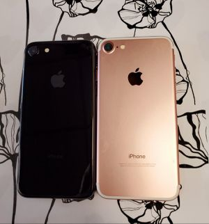 IPhone 7 32 GB Unlocked Each for Sale in Malden, MA