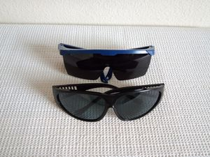 2 Pairs Mix Sunglasses for Sale in San Diego, CA