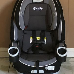 PRACTICALLY NEW GRACO 4EVER CONVERTIBLE CAR SEAT 4 In 1 for Sale in Riverside, CA