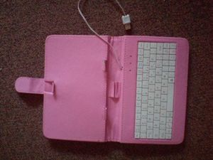 Pink keyboard for a tablet for Sale in Saginaw, MI