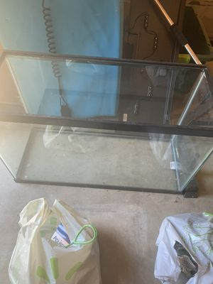 30 Gallon Fish Tank for Sale in San Jacinto, CA
