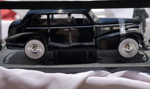 The Godfather 1940 Cadillac Series 75 with 2 Figures Diecast Car 1:18 Jada Toys for Sale in Stockton, CA