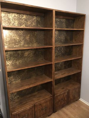 Henredon Furniture bookshelves vintage for Sale in Las Vegas, NV