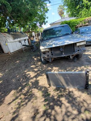Chevy Silverado 1999 parts for Sale in Fresno, CA