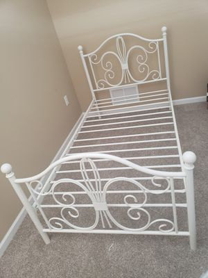 Twin size bed frame for Sale in Fort Wayne, IN