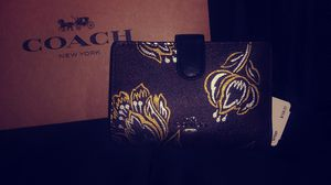 Coach small leather wallet for Sale in Orange, CA