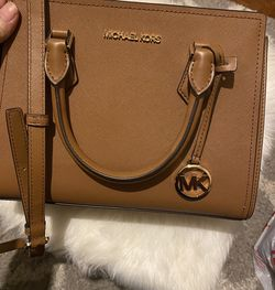 Micheal Kors Medium Bag for Sale in Lawrence,  MA