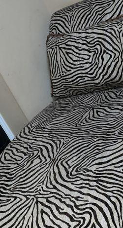 Beautiful Zebra Sofa for Sale in Gainesville,  VA