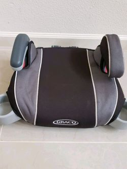 Booster seat with cup holders $10 for Sale in Salinas,  CA