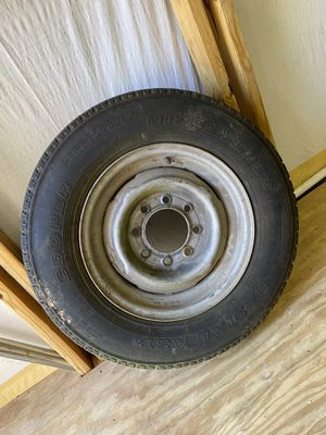 (1) 8 lug Chevy GMC spare wheel with tire for Sale in Tampa, FL