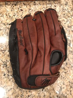 New Left handed Macgregor baseball / softball glove for Sale in Forest Hill, TX