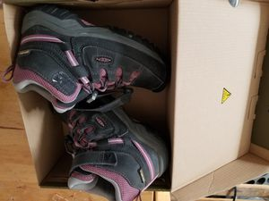 Keen Kids Hiking Water Proof Boots Shoes ( Size 12 ) Winter Snow for Sale in Los Angeles, CA