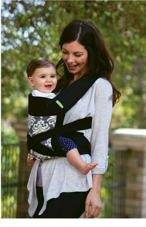 Infantino Sash mei Tai baby carrier for Sale in Houston, TX