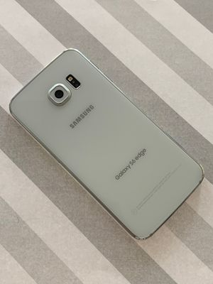 Samsung galaxy s6 edge 64gb unlocked for Sale in Everett, MA