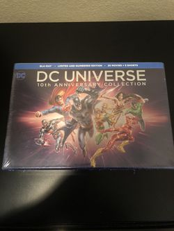 DC Universe 10th Anniversary Collection for Sale in Robinson,  TX
