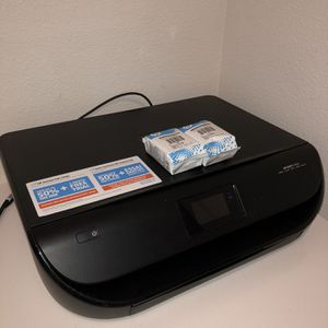 HP ENVY 4520 W/ Inks for Sale in Los Angeles, CA
