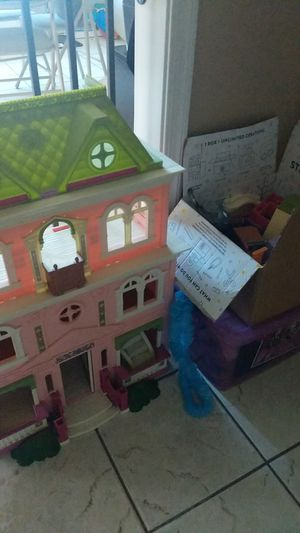 Doll house and accessories for Sale in Peoria, AZ