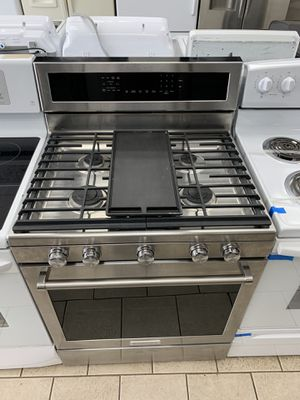 Kitchen Aid 5 burners stainless steel gas stove for Sale in Dearborn Heights, MI