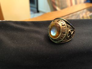 High school 10 kt yellow gold men's ring size 8 for Sale in Miami Lakes, FL