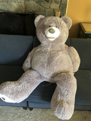 Must Go $3.00 Oversized stuffed teddy bear for Sale in Sully Station, VA
