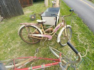 Schwinn bicycle for Sale in Waverly, WV