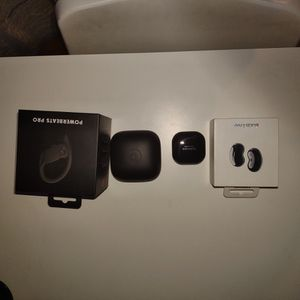 Powerbeats Pro & Galaxy Buds Live. Looking For A Trade For Galaxy Buds Pro. for Sale in Pasadena, CA