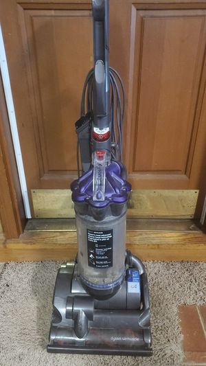 Dyson DC 28 - belt slips, for repair for Sale in Raleigh, NC
