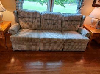 Comforter chair for Sale in Tyler,  AL