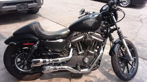 2016 Harley Davidson Iron 883 - Low Miles -$5800 for Sale in Los Angeles, CA
