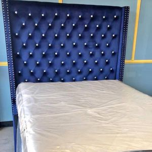 """(New In Boxes) Queen Size Blue Velvet 71"""" High Crystal Tuft Bed Frame***NO MATTRESS SET for Sale in Atlanta, GA"""
