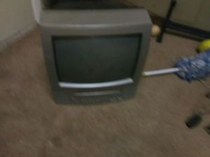 Tv that comes with a ( BUILT ) in DVD player for Sale in Albuquerque, NM