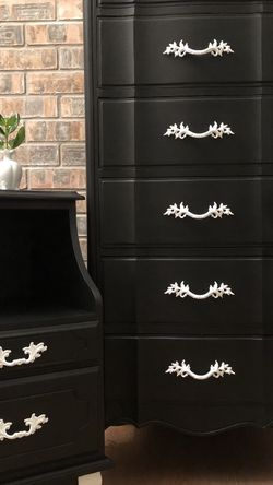 Tuxedo Style Lingerie Dresser and Nightstand for Sale in Vancouver,  WA