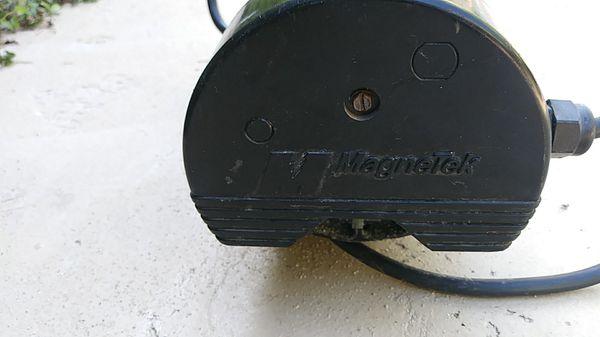 Hot tub air bubble maker motor