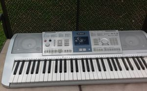 Yamaha Keyboard paid over 400 new it is still like new comes with two microphones and a music book stand for Sale in Murphy, TX