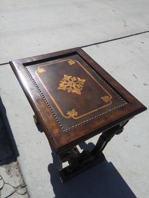Maitland Smith Hard wood end table for Sale in La Quinta, CA